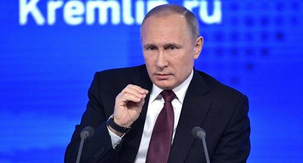 """Путин """"Би-би-си""""нинг АҚШ билан """"кимўзар"""" ўйнаш ҳақидаги саволига жавоб берди"""